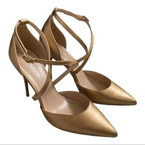 Le Chateau gold ankle strap heels 9 NWOT